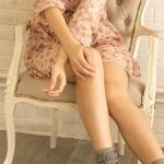 膝の黒ずみは皮膚科で治療? ケアは市販クリームでも出来る?